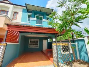 For SaleTownhouseNawamin, Ramindra : 2-storey townhouse behind the corner in KC Cluster Village, Hatairat-Thairaman Road, Soi Ruay Boon, New Renovate, near the Chatuchot Expressway.