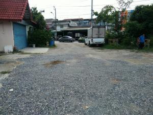 For RentWarehouseRathburana, Suksawat : Warehouse for rent, 80 sq.wa., 1 floor, at the entrance of Soi Suksawat 70, out Pracha Uthit- ER-210031.