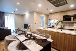For SaleCondoWitthayu,Ploenchit  ,Langsuan : [For Sale] Na Vara Residence New Condominium Fully Furniture Near Chitlom BTS Station