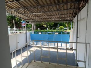 For RentTownhouseOnnut, Udomsuk : 3-storey townhouse for rent, area of 30 square meters, 3 bedrooms, 3 bathrooms, air conditioner, partially furnished, Sukhumvit Road 56, near Lotus On Nut, rental price 25,000 baht / m.