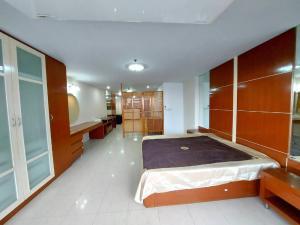 เช่าคอนโดสีลม ศาลาแดง บางรัก : ให้เช่า คอนโด สเตท ทาวเวอร์  (State Tower - RCK Tower Silom Office & Resident)