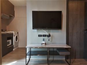 For RentCondoSukhumvit, Asoke, Thonglor : The TEAK Sukhumvit 39 Size 28.5 sqm. 4FL 1bed1bath Fully Furniture