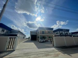 For RentWarehouseMahachai Samut Sakhon : Warehouse with office for rent, area 1 rai 43 sq.wa., Krathum Baen, Samut Sakhon.