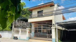 For RentHouseAri,Anusaowaree : Code C4232, 2-storey house for rent, Rama 6 Road, Phaholyothin Road, Soi Aree Samphan 11, Phayathai