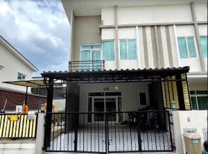 For SaleHouseNakhon Pathom, Phutthamonthon, Salaya : Twin house for sale, Gusto Petchkasem - Thawi Watthana Village, 4 bedrooms, 3 bathrooms, 2 parking spaces, 1 floor, Buddha room, 5.7 meters wide.