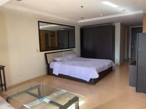 For RentCondoNana, North Nana,Sukhumvit13, Soi Nana : (Code A25066402) Near BTS Nana Condo for rent, The Trendy Condominium, Sukhumvit Soi 13, 14th floor, Studio room 10,000 baht only.