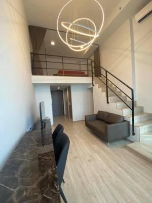For SaleCondoRama9, Petchburi, RCA : Quick sale ideo new rama9 Ideo Rama 9-new cut, 2-storey hybrid room, very new condition.