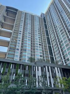 For SaleCondoRama9, RCA, Petchaburi : Condo Supalai Veranda Rama 9 Pool View