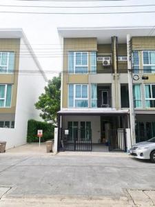 For RentTownhouseSamrong, Samut Prakan : 3-storey townhome for rent, Bless Town Srinakarin-Nam Daeng, 19 sq.wa., 3 bedrooms.