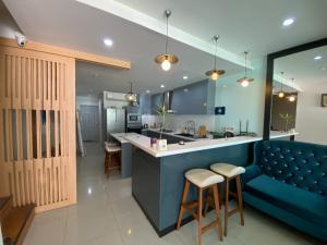 For SaleShophouseBangna, Bearing, Lasalle : 4-storey commercial building for sale, decorated as a 6-bedroom hotel, Enterprize Park, inbound Bangna Km.5