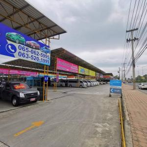 For RentLandRangsit, Patumtani : open a new phase Cheap rental car tent market Close to the city center, prime location, next to the main road