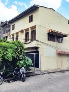 For RentShophouseKhlongtoei, Kluaynamthai : For Rent! 3-storey commercial building near MRT Khlong Toei