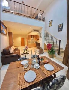 For RentCondoSukhumvit, Asoke, Thonglor : Ready move in near BTS Phromphong! Condo for rent The Emporio place Duplex 1 bedroom 2 bathroom 85 sq.m.  Floor 14