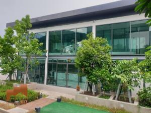 For RentShowroomKaset Nawamin,Ladplakao : For Rent - Office 2 floors, fully furnished. ready to do business Soi Prasert Manukit 29 (Soi Mailap) 126 sq m. Parking for 10 cars.
