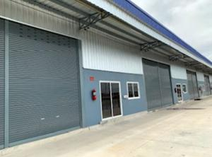 For RentWarehouseRathburana, Suksawat : For Rent Warehouse with office for rent. Soi Pracha Uthit 90, Pracha Uthit Road, Thung Khru, area 216 square meters, trailer can go in and out.