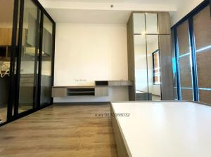 For SaleCondoOnnut, Udomsuk : Quick sale! Knightsbridge Prime Onnut Condo Knightsbridge Prime On Nut, good location, suitable for living or investment. with a high airy room style, 3 meters high ceiling