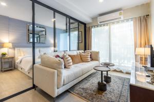 For RentCondoHua Hin, Prachuap Khiri Khan, Pran Buri : Short-term rental La Casita Condo Hua Hin, located in the heart of Hua Hin, near BLUPORT mall and Market Village.