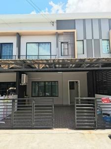 For RentTownhouseVipawadee, Don Mueang, Lak Si : Townhome for rent, fully furnished, ready to move in. 📣 The Connect Laksi, Don Mueang. Parking and kitchen have been added. near the red line train station, Don Mueang station There are bedroom furniture and 4 air conditioners.