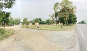 For SaleLandChai Nat : Land for sale in Chainat Province, Manorom District, Asia Road No. 32, Area 9 Rai 45 Sq.