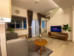 For RentTownhouseRamkhamhaeng, Hua Mak : LBH0183 Townhome for rent, 2 floors, new house INDY Bangna-Ramkhamharng 2near Mega Bangna.