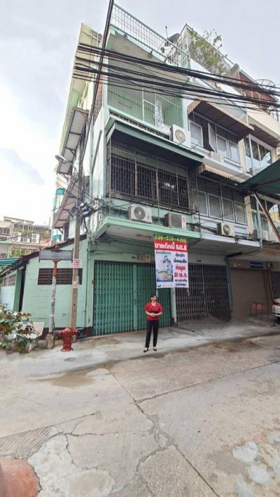For SaleShophouseSiam Paragon ,Chulalongkorn,Samyan : #Quick sale! #Commercial building, corner room, golden location #Samyan, Rama 4 Road, great feng shui