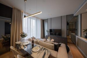 ขายคอนโดสุขุมวิท อโศก ทองหล่อ : Modern Luxury with City view, Best Price