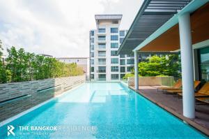 For SaleCondoSukhumvit, Asoke, Thonglor : Hot Deal!! Resort Style Condo for Sale Near BTS Ekkamai - The Room Sukhumvit 40 @4.45MB