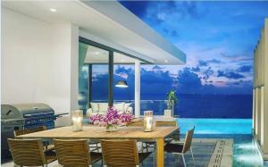 ขายคอนโดภูเก็ต ป่าตอง : Luxury Penthouse Sea View @Naithon Beach,Phuket