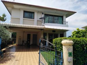 For RentHouseRangsit, Patumtani : Hot Price!! Very good value for rent, 2 storey detached house, 3 bedrooms, 2 bathrooms, 60 sq m., behind the corner of Supalaiburi Village, Rangsit, Khlong Si, near Suan Kularb Rangsit School.
