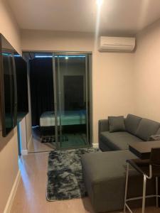 For RentCondoBang Sue, Wong Sawang : Condo for rent Metro Sky Prachachuen near BTS Bang Son