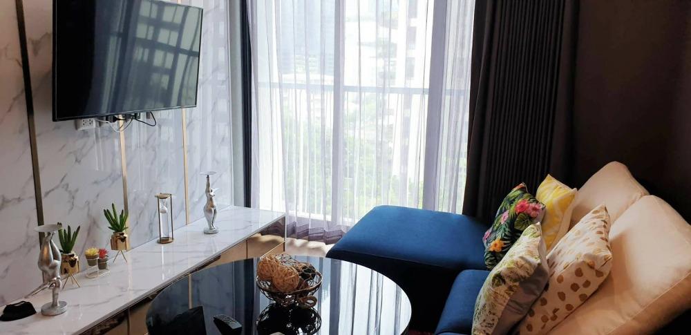 เช่าคอนโดสุขุมวิท อโศก ทองหล่อ : Noble Recole 19 Condo for rent : Newly room never use 2 bedrooms 2 bathrooms for 62 sqm. on 7th floor. With luxury decorated and nice furnished with king size bed and fully electrical appliances.Just 500 m. to BTS Asoke