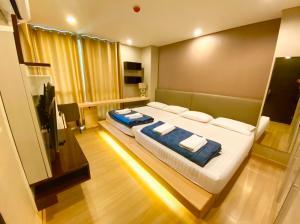 For RentCondoRatchathewi,Phayathai : For RENT [ The Address Pathumwan ] 2 Bedroom unit / near BTS Ratchathewi