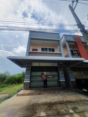 For SaleHouseSatun : Urgent sale ❗❗❗ 2-storey commercial building, 2️⃣ bedrooms, 3️⃣ bathrooms, area 42.10 square wah >>>(opposite to La-ngu District Office, Satun Province)