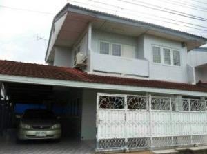 For RentHouseKaset Nawamin,Ladplakao : house for rent Sena Niwet University 2 Kaset-Nawamin Rd., Ladprao, 3 bedrooms, 2 bathrooms, 42 sq.wa.