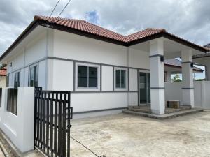 For SaleHouseChiang Mai : House for sale near Chiang Mai city, starting price 1.49-1.69 million baht.
