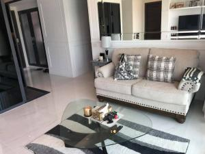 For RentCondoSukhumvit, Asoke, Thonglor : For rent, very good price!! ️ C Ekkamai, luxury condo, room width 100 square meters, 3 bedrooms, 3 bathrooms, 2 balconies, 75 inch TV #fully furnished, ready to move in, only 50,000 baht/month