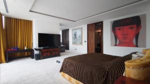 For SaleCondoSathorn, Narathiwat : For Sale! Luxury Duplex Penthouse 3 Bedrooms with private onzen