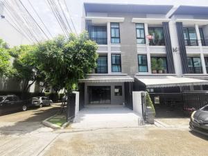 For RentTownhouseRamkhamhaeng, Hua Mak : For rent townhome 3 floors Baan Klang Muang Rama 9-Ramkhamhaeng 39 near town in town behind the rim