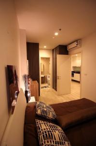For RentCondoRatchadapisek, Huaikwang, Suttisan : Condo for rent Quinn Ratchada 17 BA21_06_101_05 beautiful room, electrical appliances 13,999 baht.