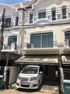 For RentTownhouseKaset Nawamin,Ladplakao : House for rent in Klang Muang, swisstown, Kaset Nawamin.