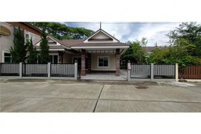 ขายบ้านเชียงราย : Second hand house for sale, 150 sq.m., Baan Wiang Nara, on land 89 sq.wa., fully furnished.