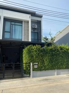 For SaleTownhouseRathburana, Suksawat : Quick sale, townhome, corner plot, with built-in, Plino University, Pracha Uthit 60, beautiful and stylish