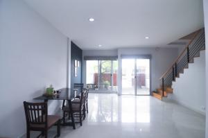 For RentTownhouseRama5, Ratchapruek, Bangkruai : Townhouse for rent, Vista 180 Ratchavipha, Phibun Songkhram Road, near King Mongkut's University, North Bangkok, Rama 5, Rama 7, expressway, sky train