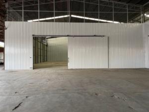 เช่าโกดังมีนบุรี-ร่มเกล้า : For Rent ให้เช่าโกดัง ย่านหนองจอก สุวินทวงศ์ ริมถนนสุวินทวงศ์ พื้นที่โกดัง 900 ตารางเมตร รถเทรลเลอร์ 40 ฟุต เข้าออกได้