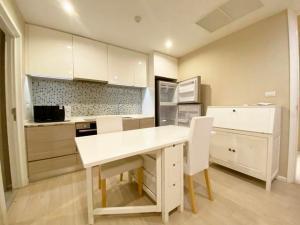 For RentCondoSukhumvit, Asoke, Thonglor : Condo for rent, The Room Sukhumvit 21, size 50 sqm., 6th floor.