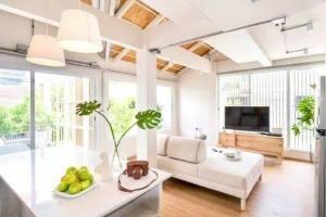 เช่าบ้านสุขุมวิท อโศก ทองหล่อ : Rental : Townhome and Home Office in Ekamai , Close to BTS Ekamai , 5 Bed 4 Bath 3 Storeys🔥🔥Rental Price : 100,000THB 🔥🔥