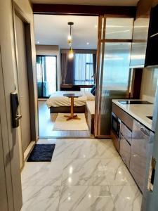 For RentCondoSukhumvit, Asoke, Thonglor : @condorental for rent Rhythm Ekkamai, Sukhumvit 63, beautiful room, good price, ready to move in!!