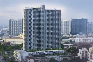 For RentCondoThaphra, Wutthakat : Line ID : @ m9898 (with @ too) Kasupalai Loft price 12,000 baht/month