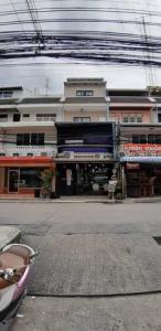 For RentShophousePattanakan, Srinakarin : RPJ190 Commercial building for rent, 4 floors, 6 bedrooms, 4 bathrooms, Phatthanakan 44