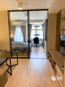 For RentCondoWongwianyai, Charoennakor : For rent Ideo Sathorn-Wongwian Yai   1Bed, size 35 sq.m. Beautiful room, fully furnished.